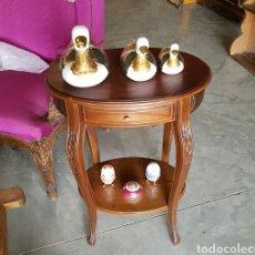 Antigüedades - mesa auxiliar madera de castaño tallado - 117686099