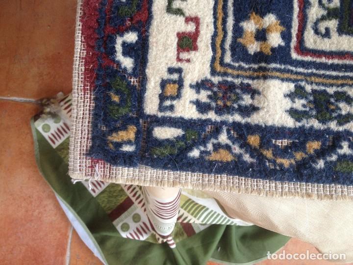 Antigüedades: Pequena alfonbra persa de lana pura echa amano varios colores - Foto 6 - 117692087