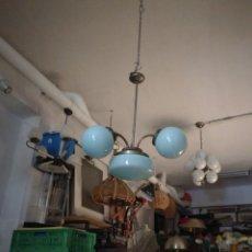Antigüedades: LAMPARA ART-DECO, EN METAL Y CRISTAL AZUL, 4 TULIPAS. AÑOS 20. NO ELECTRIFICADA. NO SE ENVIA.. Lote 117709668