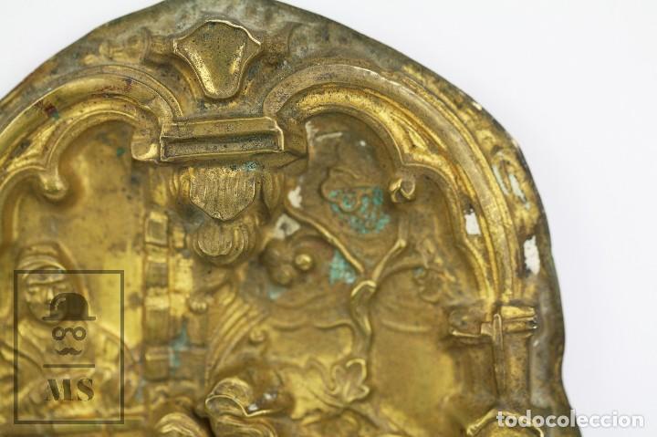 Antigüedades: Antiguo Relieve de Latón - La Celestina ? / Calisto y Melibea - Siglo XIX - Medidas 10 x 14 cm - Foto 4 - 117737935