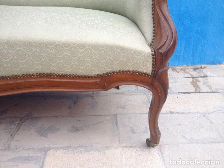 Antigüedades: Extraordinario sofá isabelino de madera de roble,tapizado color blanco marfil. - Foto 3 - 137891444