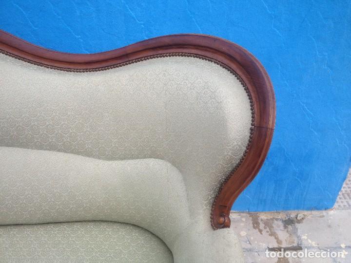 Antigüedades: Extraordinario sofá isabelino de madera de roble,tapizado color blanco marfil. - Foto 4 - 137891444