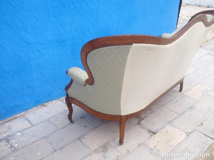 Antigüedades: Extraordinario sofá isabelino de madera de roble,tapizado color blanco marfil. - Foto 9 - 137891444
