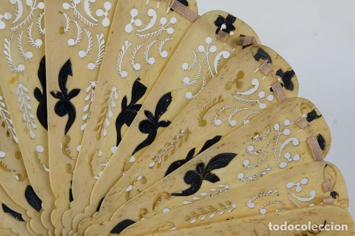 Antigüedades: Abanico de caballero en hueso calado años 20 - Foto 3 - 117758183