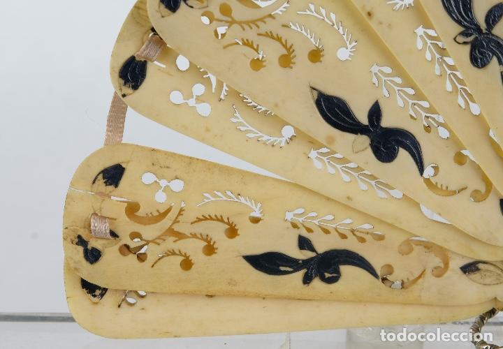 Antigüedades: Abanico de caballero en hueso calado años 20 - Foto 7 - 117758183