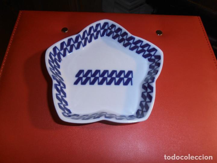 CAZUELA PORCELANA O CASTRO -- SARGADELOS (Antigüedades - Porcelanas y Cerámicas - Sargadelos)
