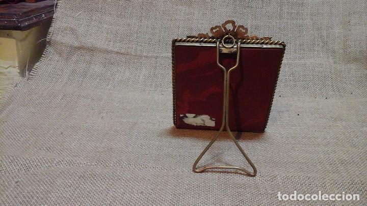 Antigüedades: Portafotos francés . Bronce y cristal curvo .Ppios siglo xx - Foto 5 - 117783223