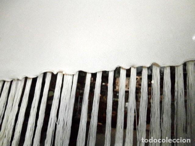 Antigüedades: CHAL DE SEDA COLOR CRUDO CON FLECOS - Foto 3 - 117796891