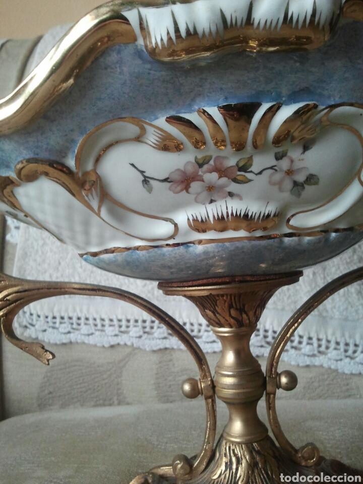 Antigüedades: Centro de mesa. Ceramica y metal dorado - Foto 7 - 117846990