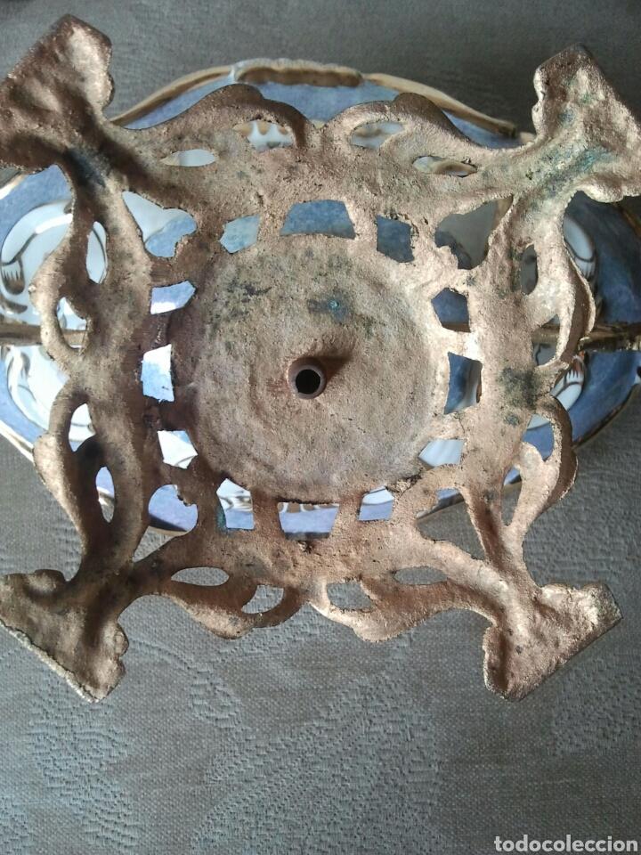 Antigüedades: Centro de mesa. Ceramica y metal dorado - Foto 9 - 117846990