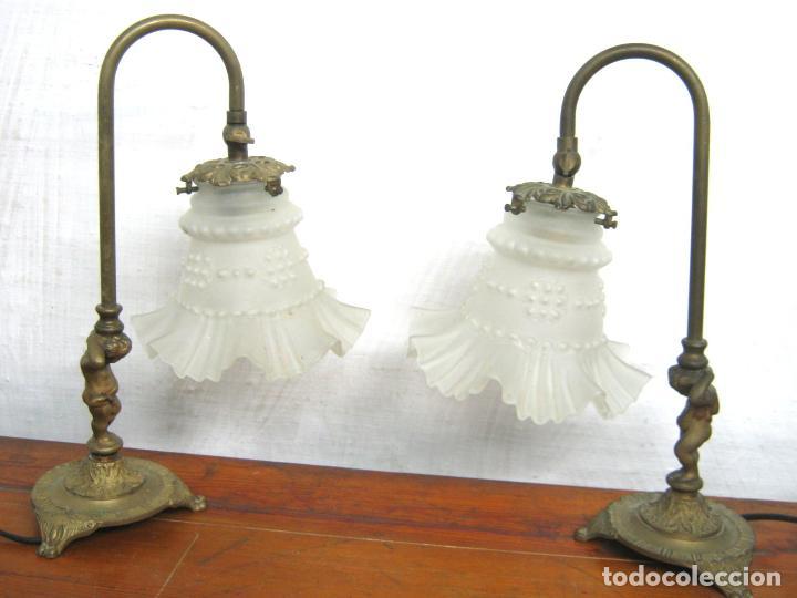 Antigüedades: Antigua pareja de bellas lamparas de mesa dirigibles en bronce - sin tulipas - Foto 2 - 117863251