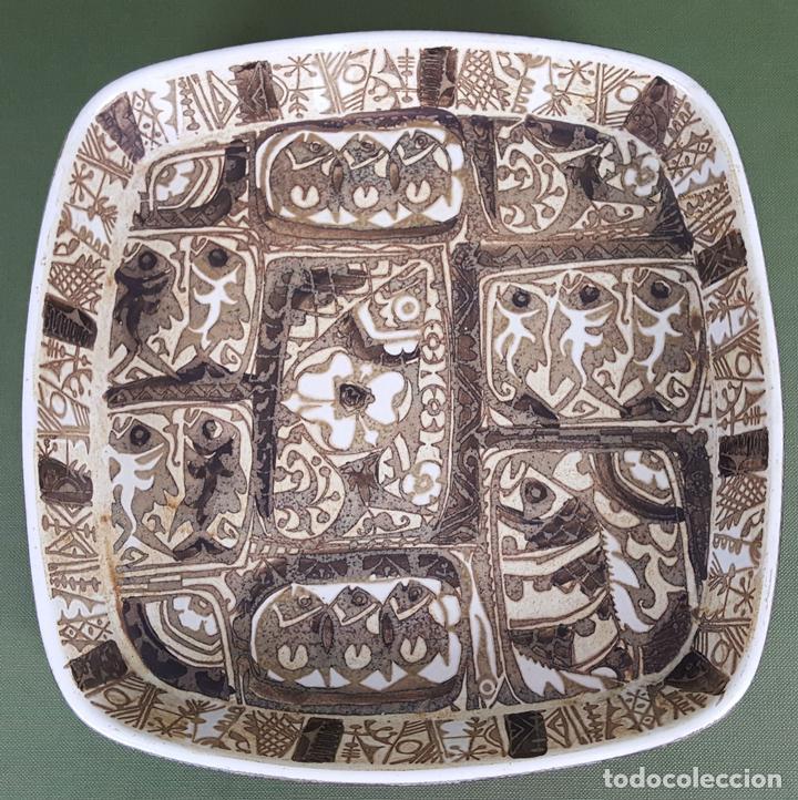 BANDEJA DE CERÁMICA.. ROYAL COPENAGEN. NIL THORSEN. DECORADA A MANO. CIRCA 1970. (Antigüedades - Porcelana y Cerámica - Alemana - Meissen)