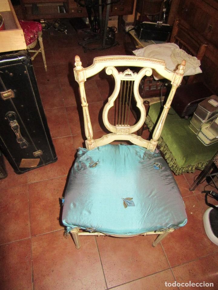 SILLA DE LIRA LACADA, ANTIGUA (Antigüedades - Muebles Antiguos - Sillas Antiguas)