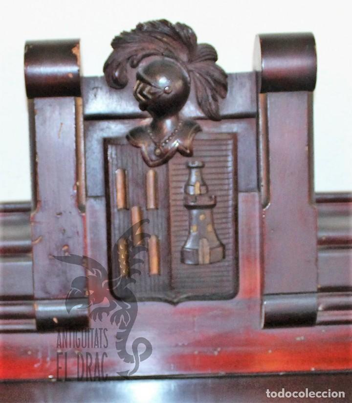 Antigüedades: JUEGO CONJUNTO COMEDOR RENACIMIENTO ESCUDO HERÁLDICO APARADOR VITRINA MESA TRINCHANTE - Foto 7 - 117904347
