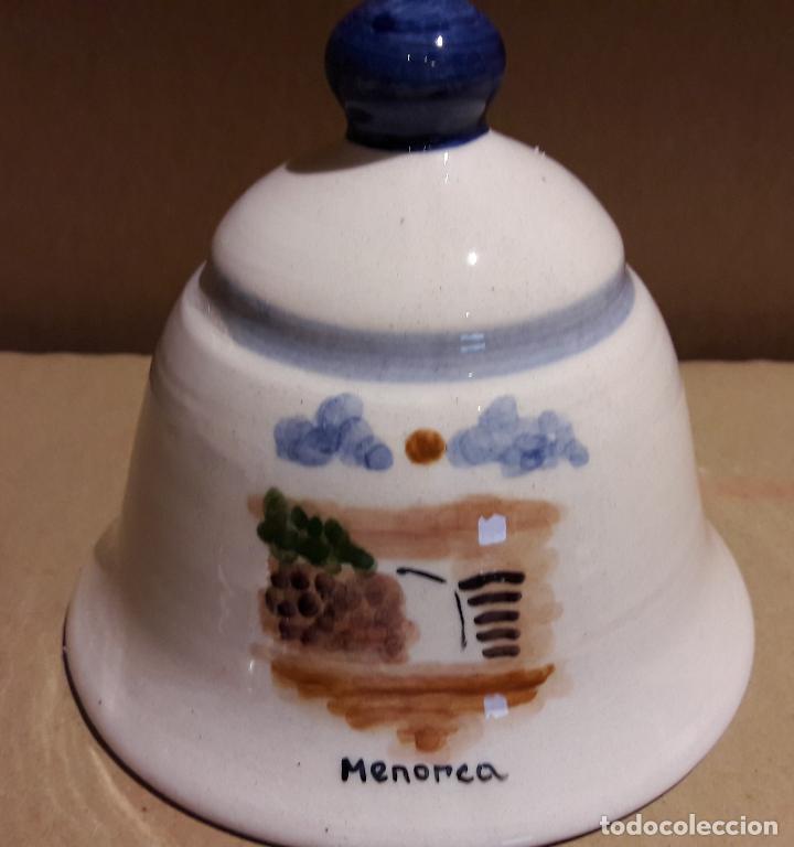 CAMPANA DE CERÁMICA LORA / RECUERDO DE MENORCA / 9.5 CM ALTO X 10 Ø / PERFECTA. (Antigüedades - Hogar y Decoración - Campanas Antiguas)