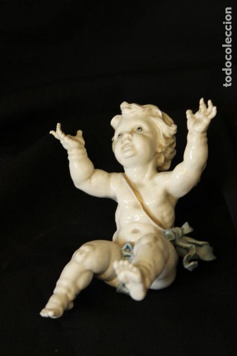 ANGELITO TROMPI EN AUTENTICA PORCELANA ALGORA DOCUMENTADA. PERFECTO ESTADO (Antigüedades - Porcelanas y Cerámicas - Algora)