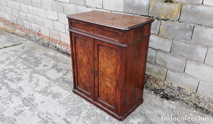 Antigüedades: Entredós antiguo estilo Luis Felipe. Mueble auxiliar recibidor. Pequeño armario Biedermeier. - Foto 3 - 118110599