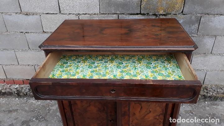 Antigüedades: Entredós antiguo estilo Luis Felipe. Mueble auxiliar recibidor. Pequeño armario Biedermeier. - Foto 9 - 118110599