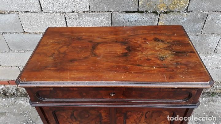 Antigüedades: Entredós antiguo estilo Luis Felipe. Mueble auxiliar recibidor. Pequeño armario Biedermeier. - Foto 12 - 118110599