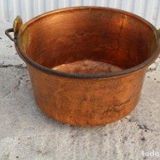 Antigüedades: CALDERA DE COBRE CON ASA DE HIERRO. Lote 118118303