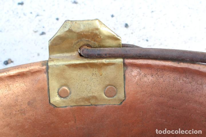 Antigüedades: caldera de cobre con asa de hierro - Foto 3 - 118118303