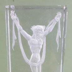 Antigüedades: BAJO RELIEVE. CRISTAL TALLADO A MANO. J. MARTIN. CIRCA 1980. . Lote 118141695