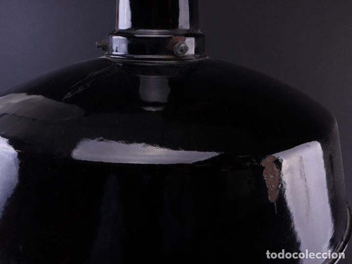 Antigüedades: LAMPARA INDUSTRIAL DE HIERRO ESMALTADA EN NEGRO MEDIANA - Foto 5 - 118158439