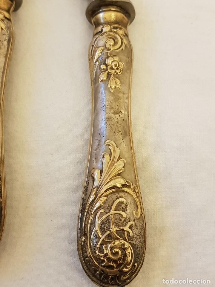 Antigüedades: Cuchillo y tenedor de servicio de plata. Finales siglo XIX. Sin contrastes - Foto 2 - 118212607