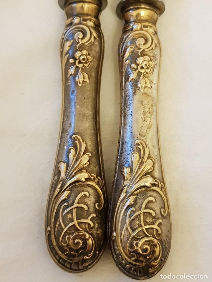 Antigüedades: Cuchillo y tenedor de servicio de plata. Finales siglo XIX. Sin contrastes - Foto 4 - 118212607
