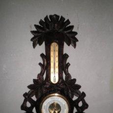 Antigüedades: BAROMETRO SOBRE MADERA TALLADA. Lote 118213103