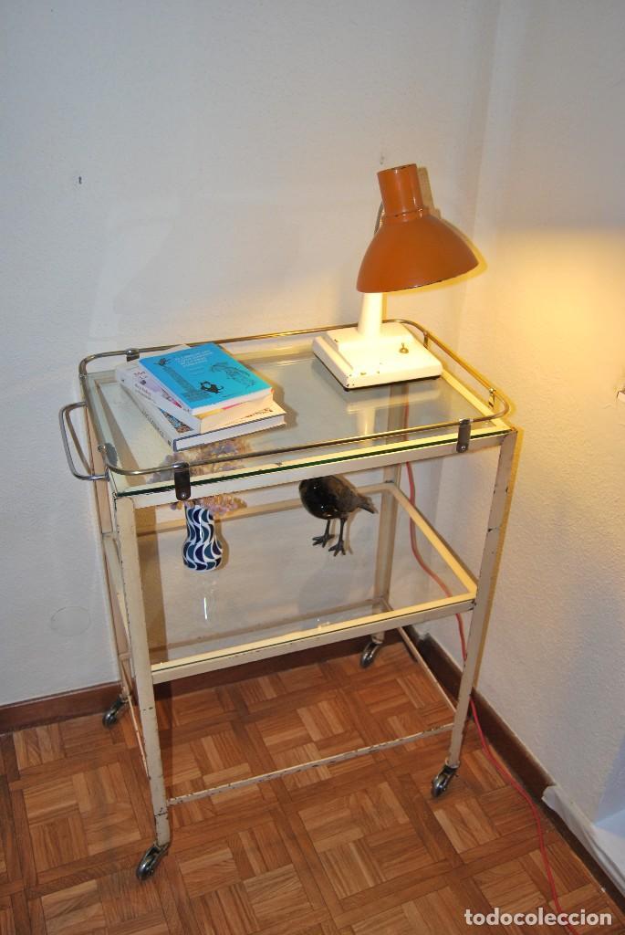 PRECIOSA MESA DE ENFERMERA - MÉDICO - CARRO DE CURAS - AÑOS 20-30 - HIERRO Y CRISTAL (Antigüedades - Muebles Antiguos - Mesas Antiguas)