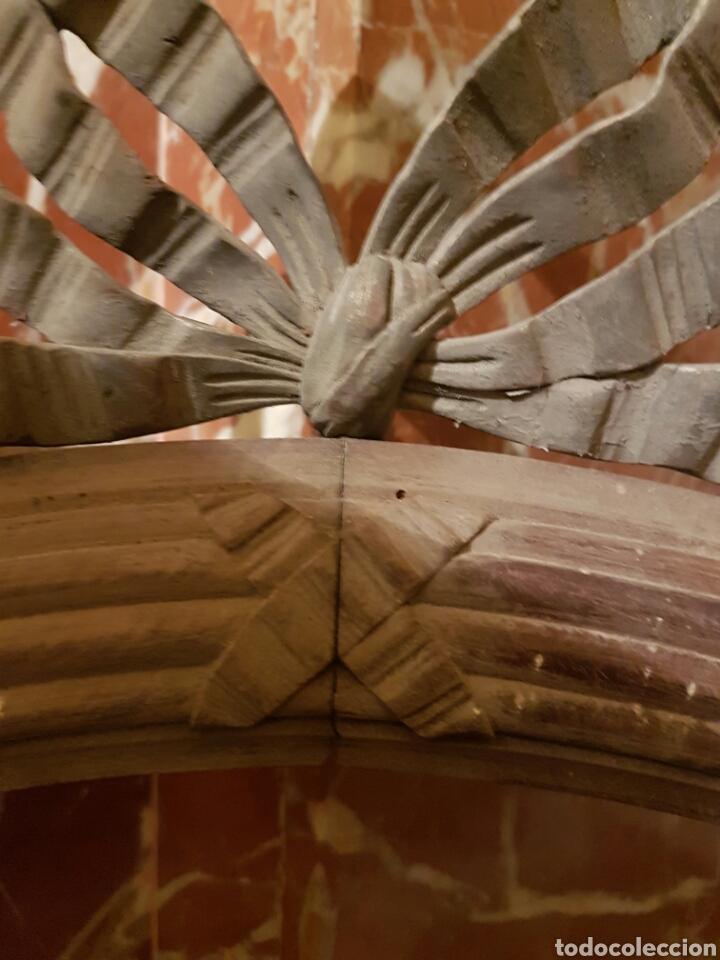 Antigüedades: ANTIGUO MARCO OVALADO CON LAZO REALIZADO EN MADERA TALLADA - Foto 4 - 118278856