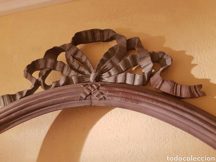 Antigüedades: ANTIGUO MARCO OVALADO CON LAZO REALIZADO EN MADERA TALLADA - Foto 8 - 118278856