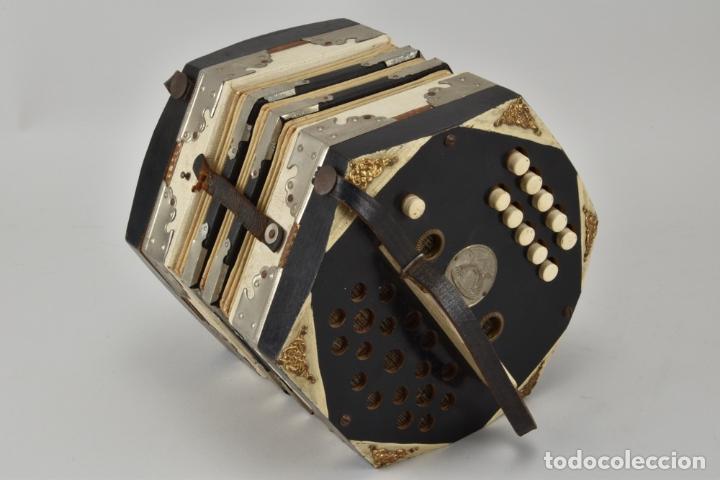 Antigüedades: ANTIGUO UNICO ESCULTURAL ACORDEÓN BANDONEÓN PIEZA DE MUSEO SIGLO XIX MAGNIFICO Y RARISIMO 629 eur - Foto 6 - 118288211