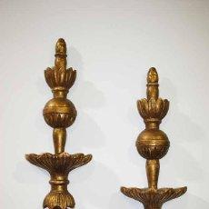 Antigüedades: PAREJA DE APLIQUES ANTIGUOS TALLADOS DE PARED. Lote 118336759