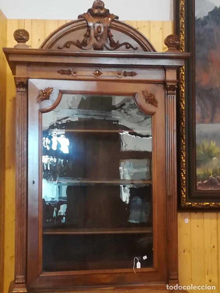 Antigüedades: ALTO LIBRERO DE ESTILO Y EPOCA ALFONSINO, DOS CUERPOS DE MADERA DE ROBLE - Foto 2 - 118343591