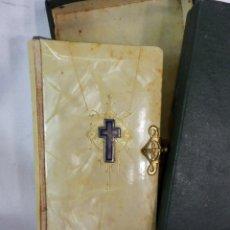 Antigüedades: MISAL ANTIGUO CON SU CAJA DE ORIGEN. Lote 118443023