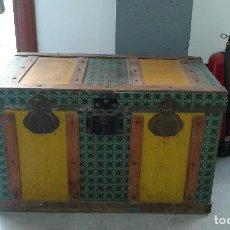 Antigüedades: BAUL DE CHAPA Y MADERA. Lote 118448139
