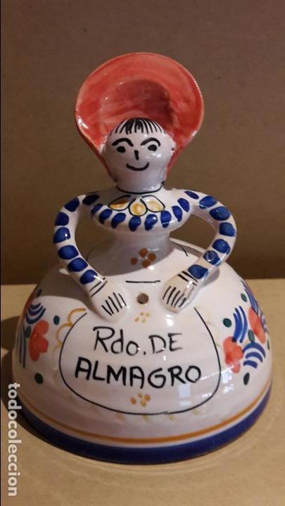 CAMPANA DE CERÁMICA RECUERDO DE ALMAGRO / PERFECTA / 12.5 CM ALTO X 10 Ø (Antigüedades - Hogar y Decoración - Campanas Antiguas)