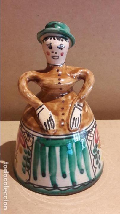 CAMPANA DE CERÁMICA / PUENTE DEL ARZOBISPO / SIN MARCA NI FIRMA / PERFECTA / 13 CM ALTO X 8 Ø (Antigüedades - Hogar y Decoración - Campanas Antiguas)