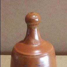 Antigüedades: CAMPANA DE CERÁMICA RECUERDO DE SABIÑÁNIGO / PERFECTA / 10 CM ALTO X 7 Ø. Lote 118467587