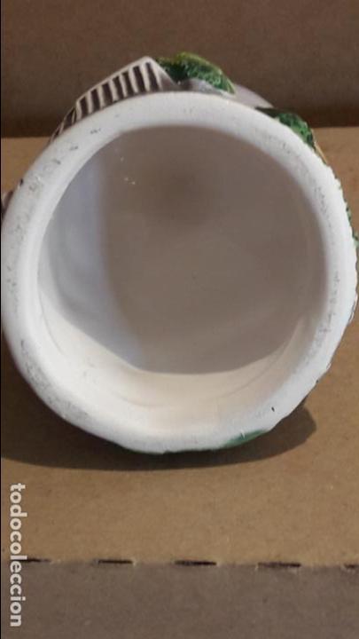 Antigüedades: CAMPANA DE CERÁMICA EN RELIEVE / SIN BADAJO / RECUERDO DE ROMA / 9.5 CM ALTO X 5 Ø - Foto 3 - 118475299