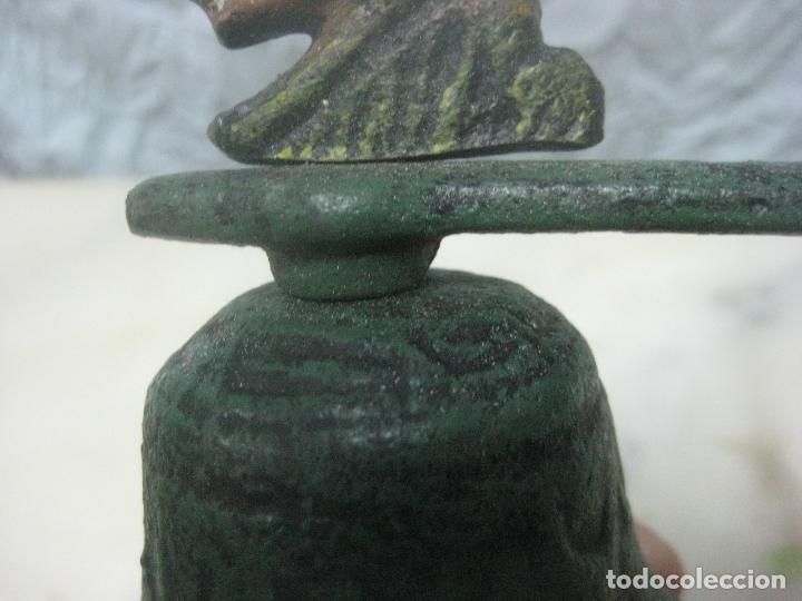 Antigüedades: PRECIOSA CAMPANA O LLAMADOR DEL SIGLO XVIII HECHA EN BRONCE MACIZO CINCELADO CON FIGURA DE CIERVO - Foto 4 - 132373066
