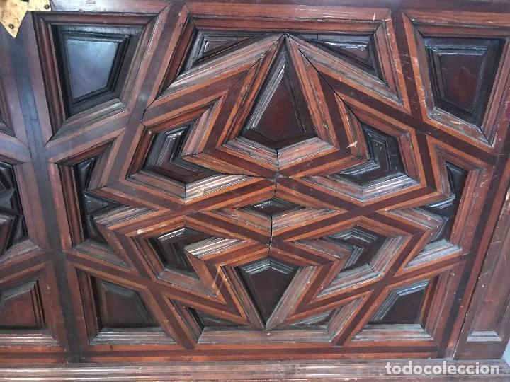 Antigüedades: extraordinario arcon de laceria mudejar - Foto 5 - 118585119