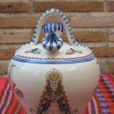 Antigüedades: BOTIJO EN CERAMICA PINTADA Y VIDRIADA DE TALAVERA - VIRGEN DEL ROCIO- HERMANDAD DE TOLEDO.. Lote 118593807