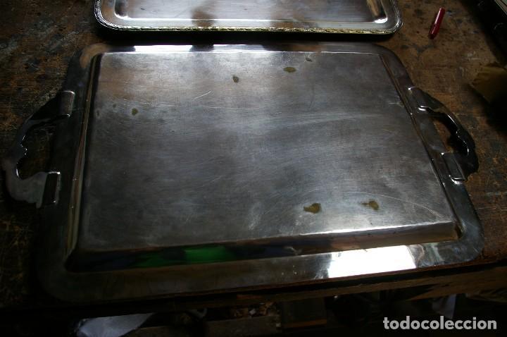 Antigüedades: Bandejas no tienen sello de plata de ley ,,,,peso 2.280 gr. - Foto 6 - 118624419