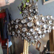 Antigüedades: ANTIGUA LAMPARA DE LOS AÑOS 30 EN BRONCE Y CRISTALES. EN FUNCIONAMIENTO. Lote 118632439