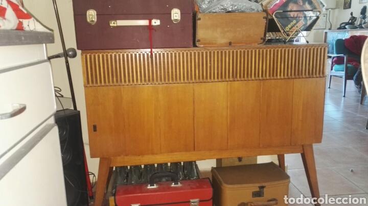 antiguo mueble años 50 con radio y pick up - Comprar Aparadores ...