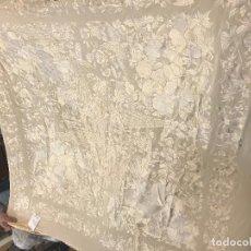 Antigüedades: ESPECTACULAR MANTON DE JUAN FORONDA, SEVILLA, BORDADO A MANO. Lote 118658123