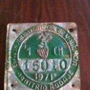 Antigüedades: ANTIGUA PLACA MATRÍCULA ORIGINAL DE 1971. ARBITRIO RODAJE. DIPUTACIÓN VALENCIA. LETRAS EN RELIEVE.. Lote 118705639